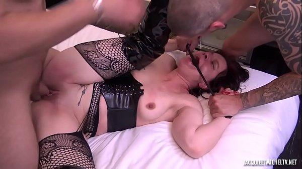 Grosse punition en vue pour Béatrice, 40ans !