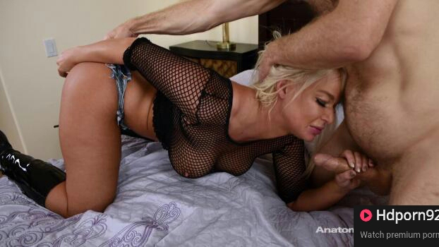Adult Time – London River – Make Me Cum In My Shorts
